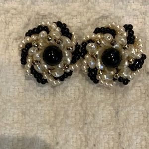 BEAUTIFUL BLACK AND WHITE CLIP EARRINGS